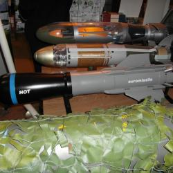 Missiles anti-char HOT et ERYX