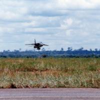 A22 7-IF quittant BANGUI pour la dernière fois le 08 septembre 1995