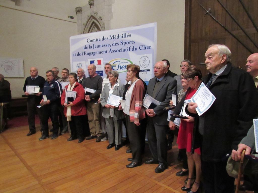 Michel reçoit le Trophée du bénévolat le 06 décembre 2016