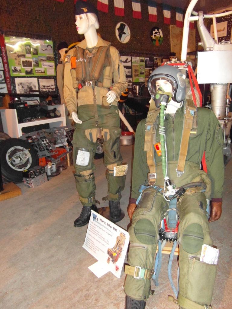 Siège éjectable Mk-4 et son pilote